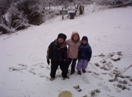 three-kids-snow
